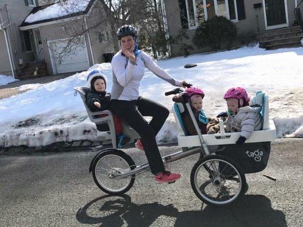 Transport von Kindern auf Fahrrädern