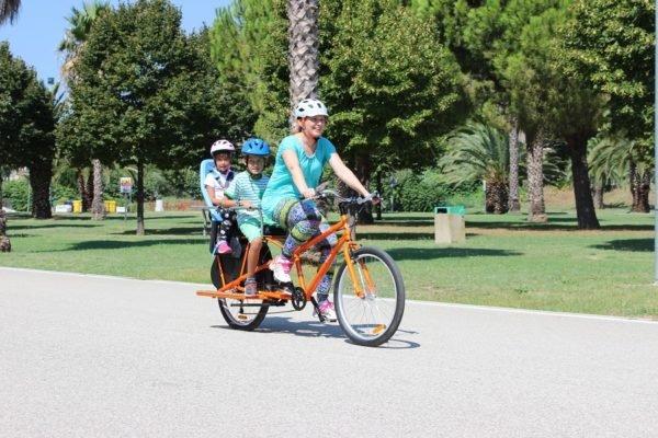 Family Bike R3 trasporto un bimbo piccolo +1 bimbo grande__